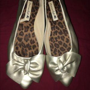 EUC American Eagle Silver Ballet Flats Shoes 6